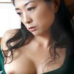 近親相姦 僕の美人な母さん 宮崎彩香